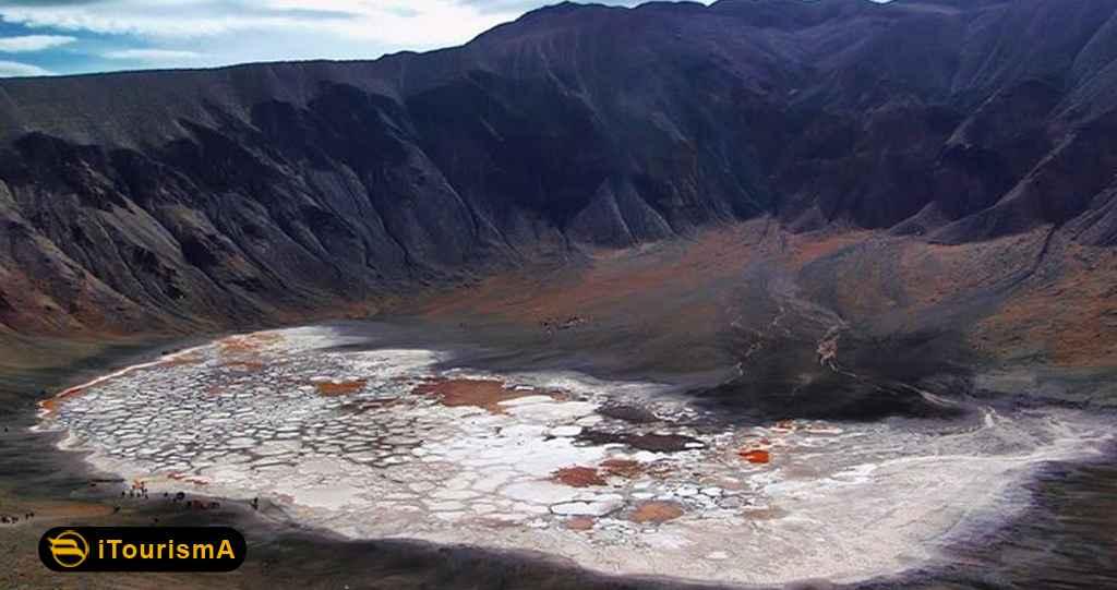 دهانه آتشفشانی راین